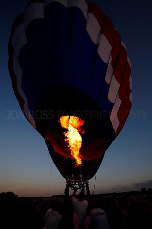 Tamiami Balloon Race 2008 | Tamiami, FL Canon EOS 5D | Canon EF 16-35mm f/2.8 L USM1/500s | f/11 @ 16mm | EC -2/3 | ISO 400