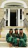 three grads vert