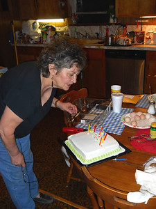 BIRTHDAY CAKE TIME This cake had the creamiest frosting I've ever seen on a cake. Yum!!!