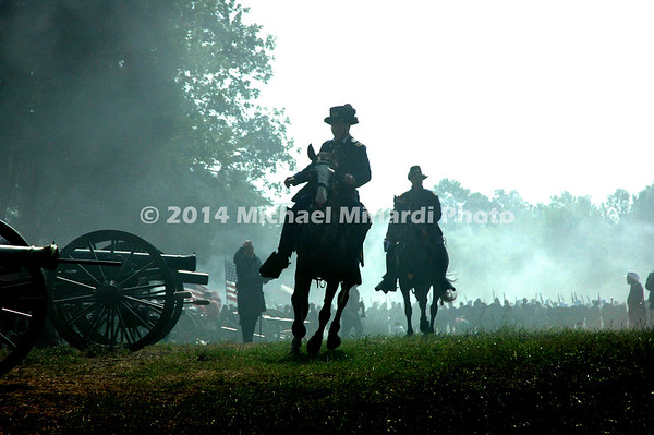 Battle of Bull Run - Union Officer inspects Cannons