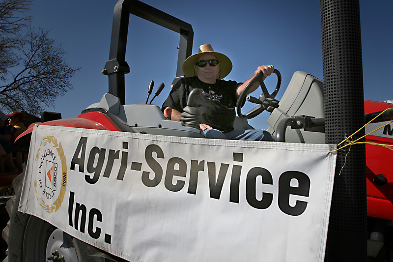 Agri-Service kindly donated the use of one of their amazing tractors for the occasion to pull a wagon!