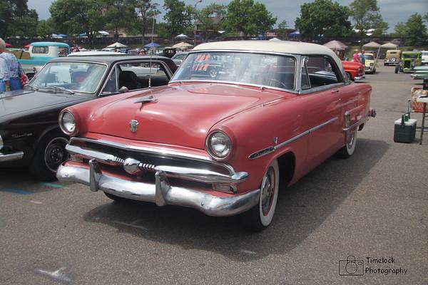53 Ford Victoria
