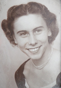 Pretty Else Bredmose as a new bride back in the early 1950's