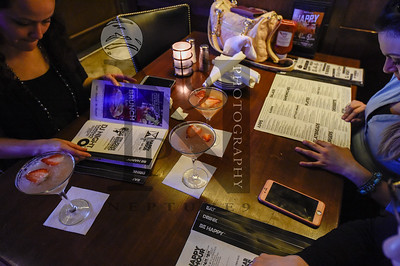 SA Current magazine hosted a Voting Party for Bar Louie at La Cantera for the Best of San Antonio Competition on March 28, 2017. Numerous patrons voted and several won Bar Louie's door prizes. Gallery: http://smu.gs/2onNA6w