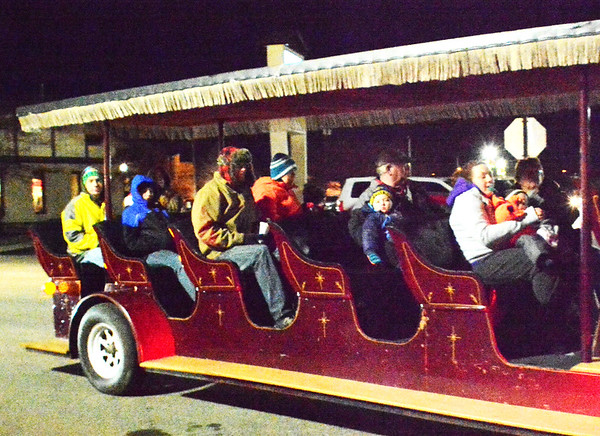 Diane Raver | The Herald-Tribune<br /> Free carriage rides were available.