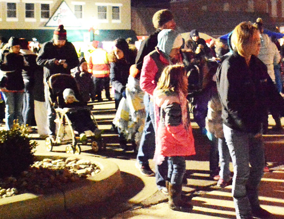 Diane Raver   The Herald-Tribune<br /> There was a huge line to see Santa.