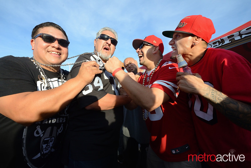 PHOTOS: NFL Battle of the Bay - San Francisco vs Oakland