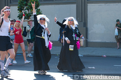 Bay to Breakers 5-17-09 23