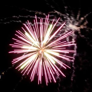 Fireworks2-2011-12-7059700