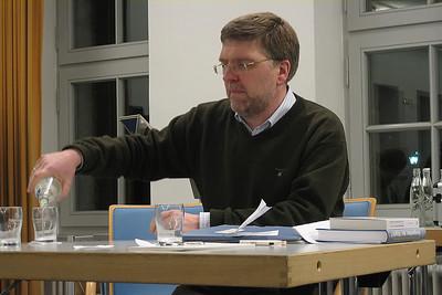 Dr. Täubrich giving the introductory talk