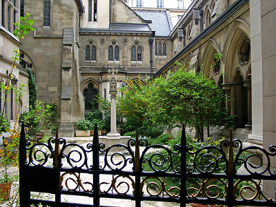 American Cathedral Yard