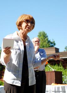 Supervisor Liz Kniss addresses library supporters.
