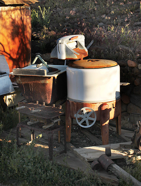 This is Walt's wash setup, I think though I never saw him use it.