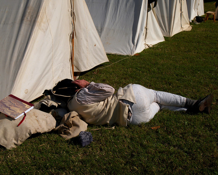 Soldier @ Rest<br /> Yorktown National Battleground<br /> Washington/Cornwallis Siege & Re-enactment<br /> October 21, 2006