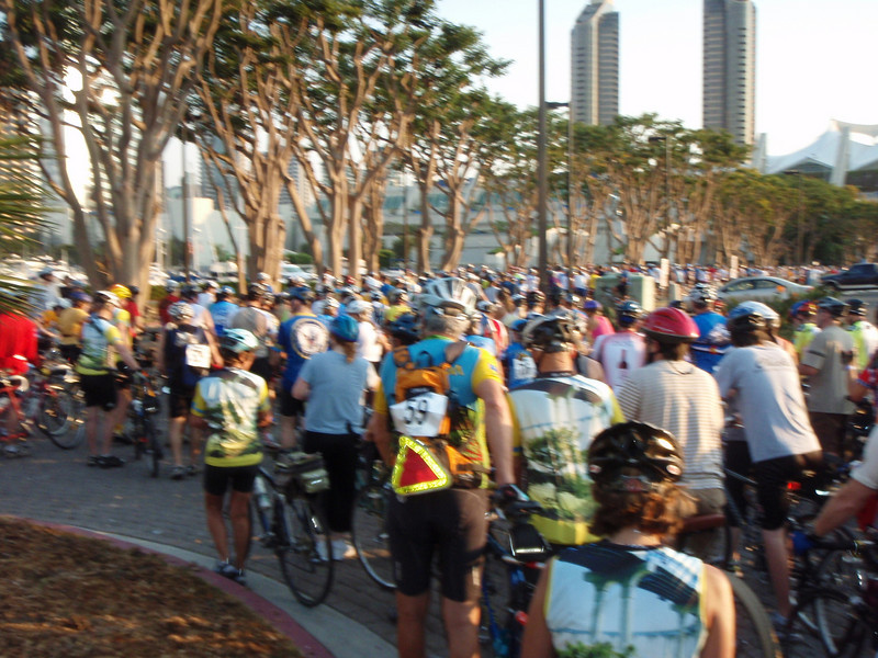 Mass start at 7:00 AM at Embarcadero Park South