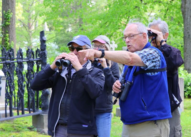 Wayne Petersen leading a group at Bird-a-thon
