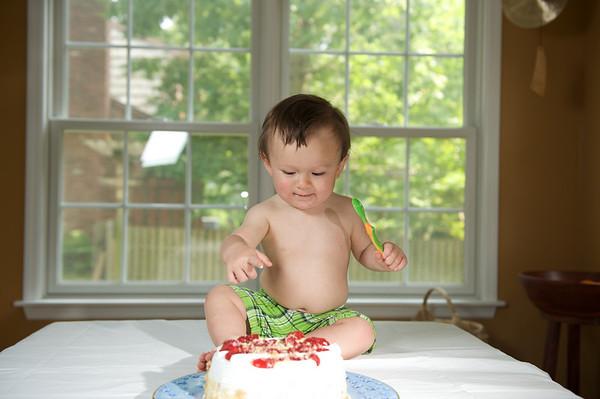 2010-05-30 Hatcher Smash cake 22