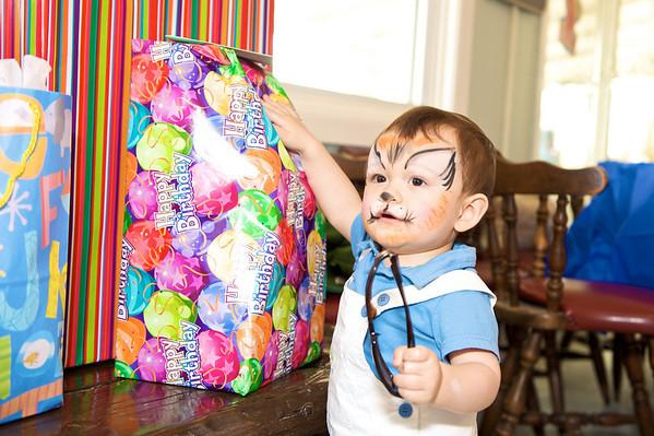 2010-05-23 Hatcher's 1st Birthday 85