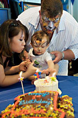 2010-05-23 Hatcher's 1st Birthday 222 - Version 2