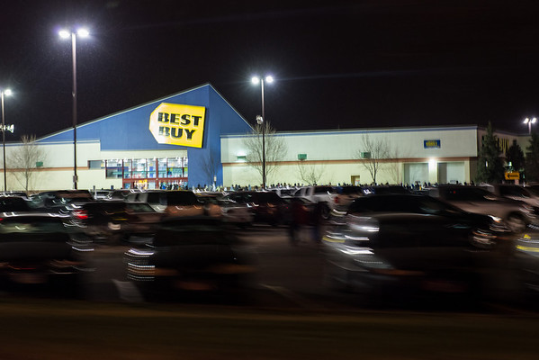 Still long lines at Best Buy after midnight.