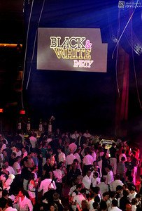 "High quality photo gallery of ""Black & White Party Aid for AIDS"" at Hard Rock Casino in Las Vegas Nevada. ISVodka is  honored to be one of the spirit sponsors for this important fund-raising AFAN event for AIDS in Las Vegas. High quality photographs free download for personal use only with photo credit of ""Mark Bowers, Courtesy of ISVodka."""