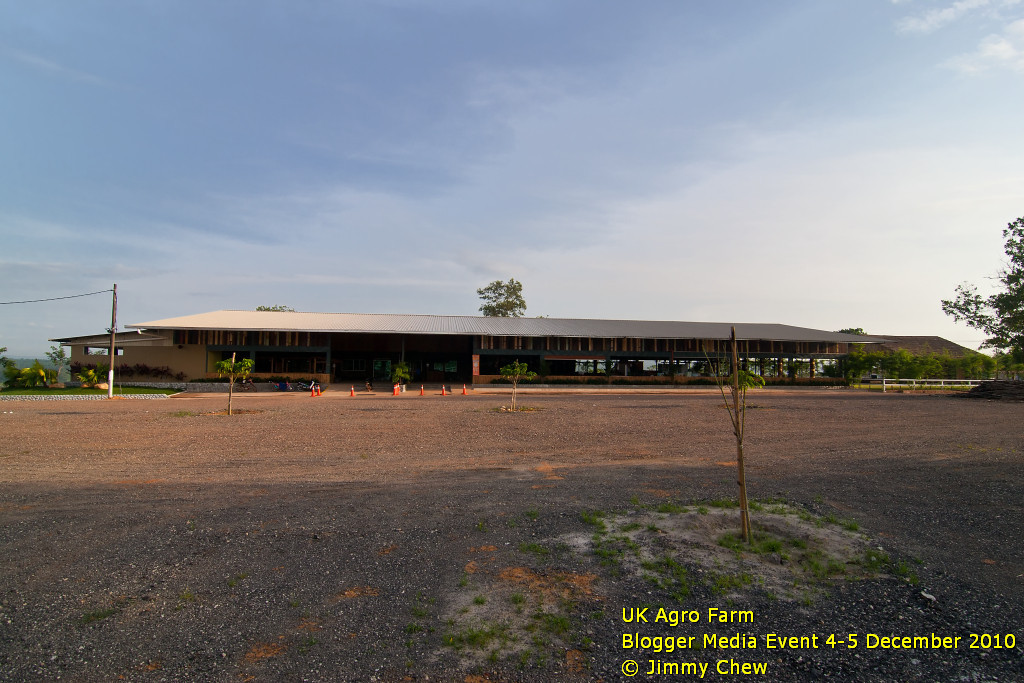 The facade of UK Agro Farm. The eco-property houses the reception, meeting/VIP room, farm mart, fruits, drinks and ice-cream booths, and dining hall. Ample space for (free) parking.