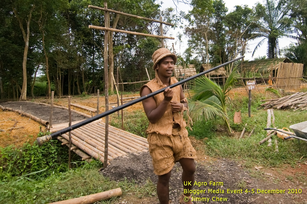 The Orang Asli (aboriginal people) site is pretty new. UK Agro Farm is in the midst of developing this area as a small village or settlement for visitors. The place may later open up for accommodation. Seen here is Oh Oh, an Orang Asli who is assisting on the site's development. He welcomed the visitors with a blowpipe.