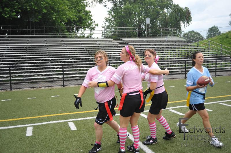BlondesVsBrunettes2011-143