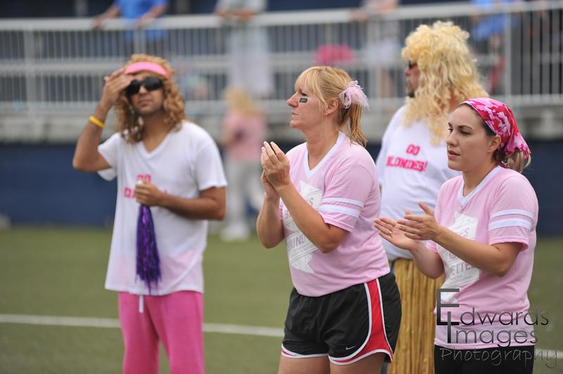 BlondesVsBrunettes2011-205