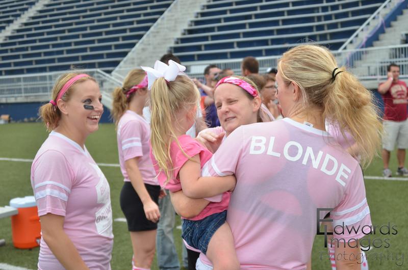 BlondesVsBrunettes2011-251