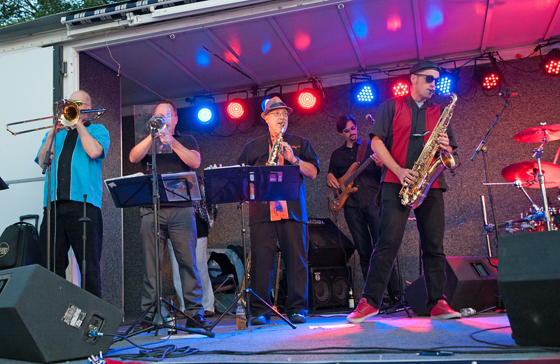 Blooze Brothers Band 7414_128
