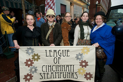 Angie, Caelyn, Tina, Mary and Ann of the League of Cincinnati Steampunks