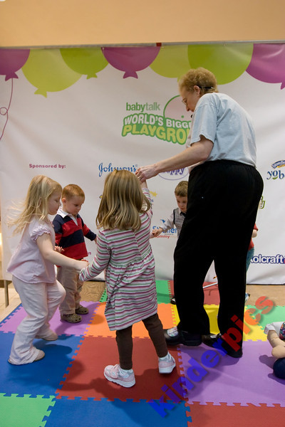 Playgroup-PDX-081106-531