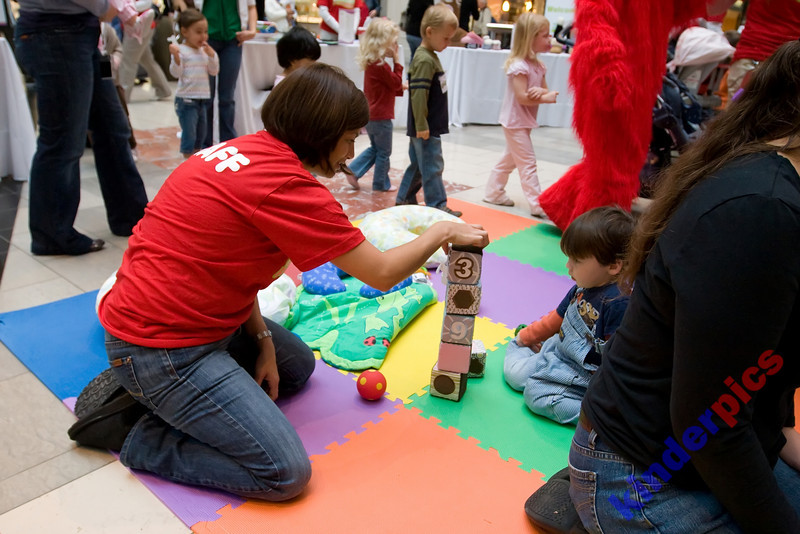 Playgroup-PDX-081106-597