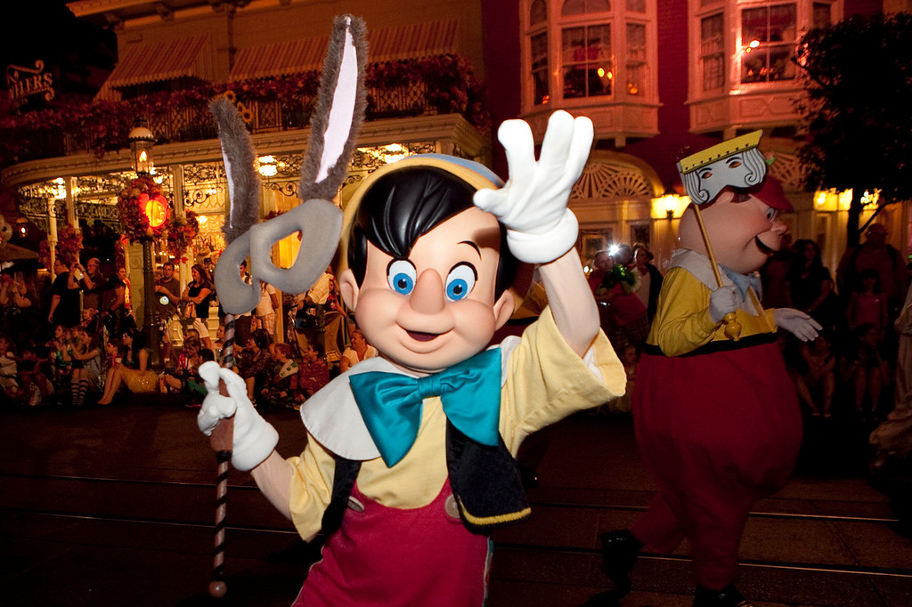 Disney_131017_2011
