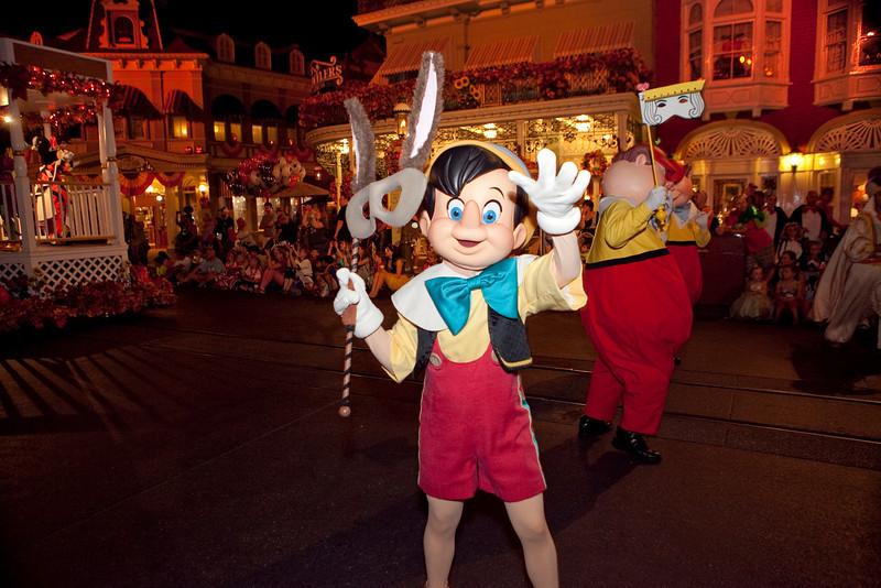 Disney_131017_2010