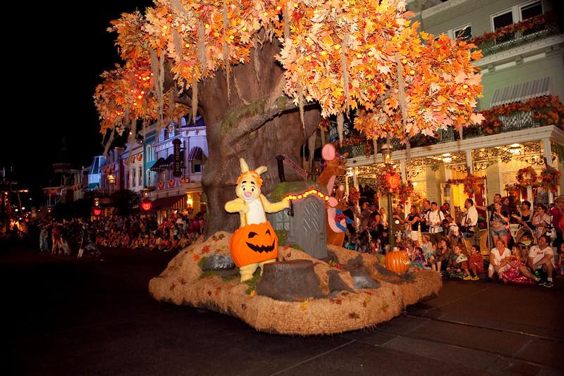 Disney_131017_2042