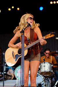 Meghan Patrick Performs at Boots & Hearts 2016
