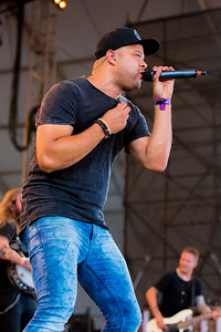 Tebey Performs at Boots & Hearts 2016