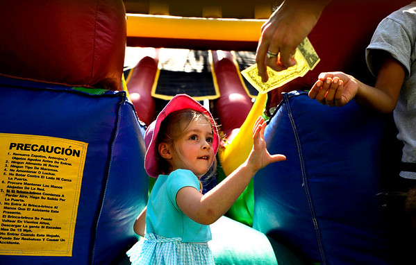 "at the Boulder Creek Hometown Fair in Boulder Saturday, Sept. 5, 2009. Along with the weekly farmer's market, the fair hosted fair games, face painting, and live music.<br /> DAILY CAMERA/Kasia Broussalian<br /> For more photos and a video of the event, please visit  <a href=""http://www.dailycamera.com"">http://www.dailycamera.com</a>"
