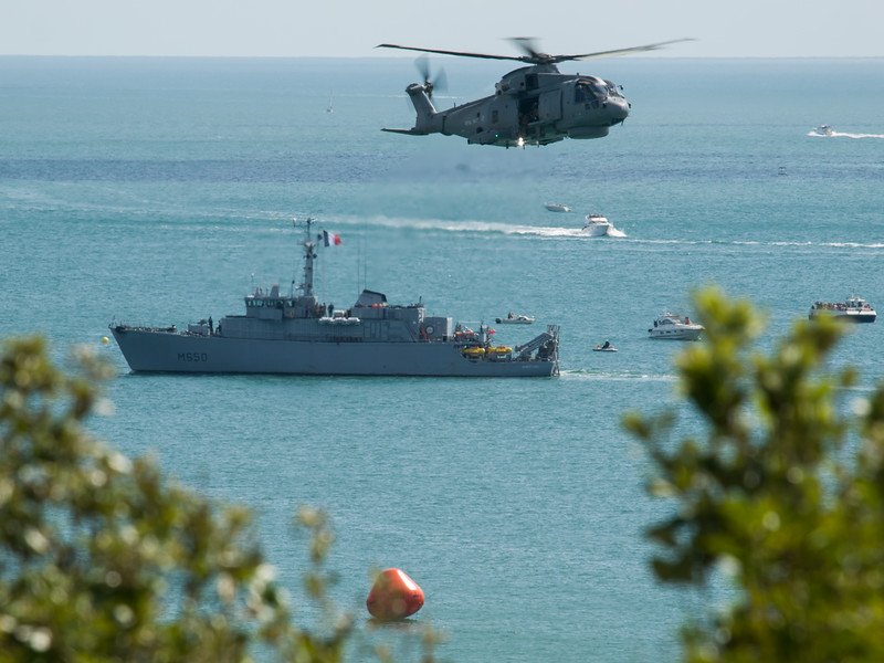 Royal Navy Merlin &  Marine française Mine Sweeper Sagittaire, Bournemouth Air Festival 2014