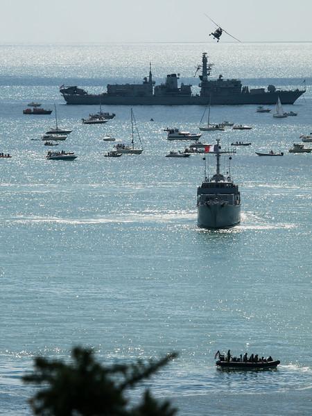 HMS Westminster & Marine française Mine Sweeper Sagittaire, Bournemouth Air Festival 2014