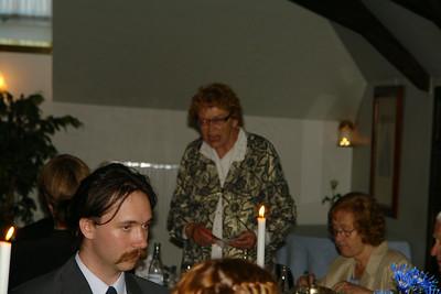 Ulla-Britt håller tal