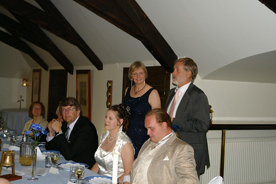 Roland och Britta håller tal