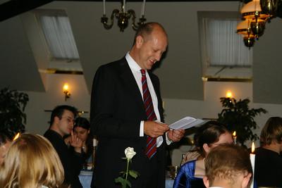 Roland håller tal