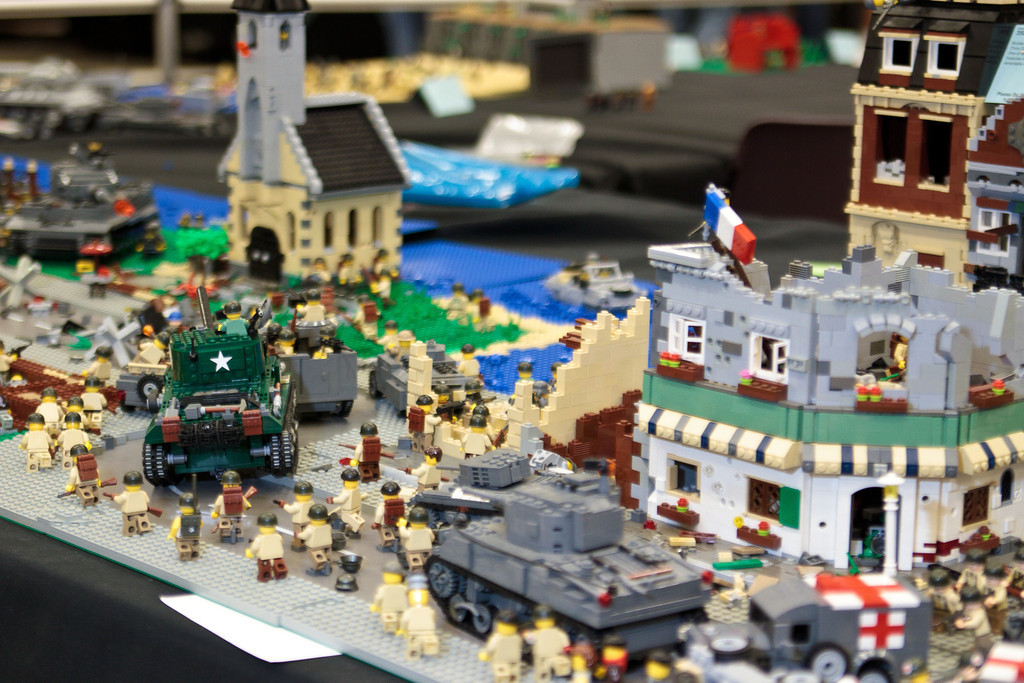 1210_BrickCon2012_00017