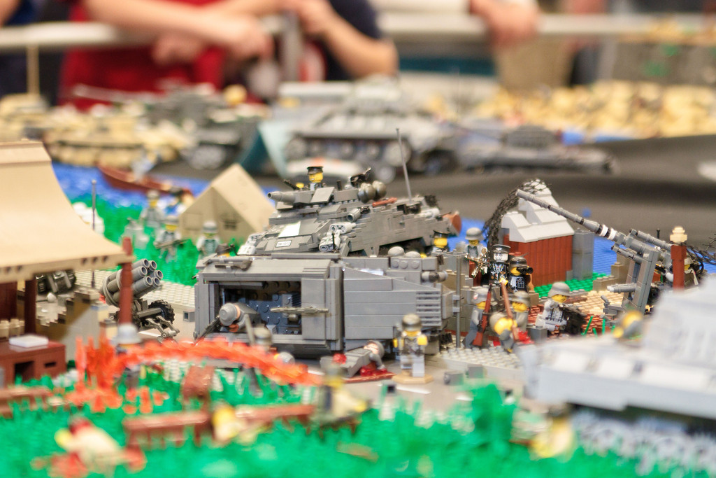 1210_BrickCon2012_00091