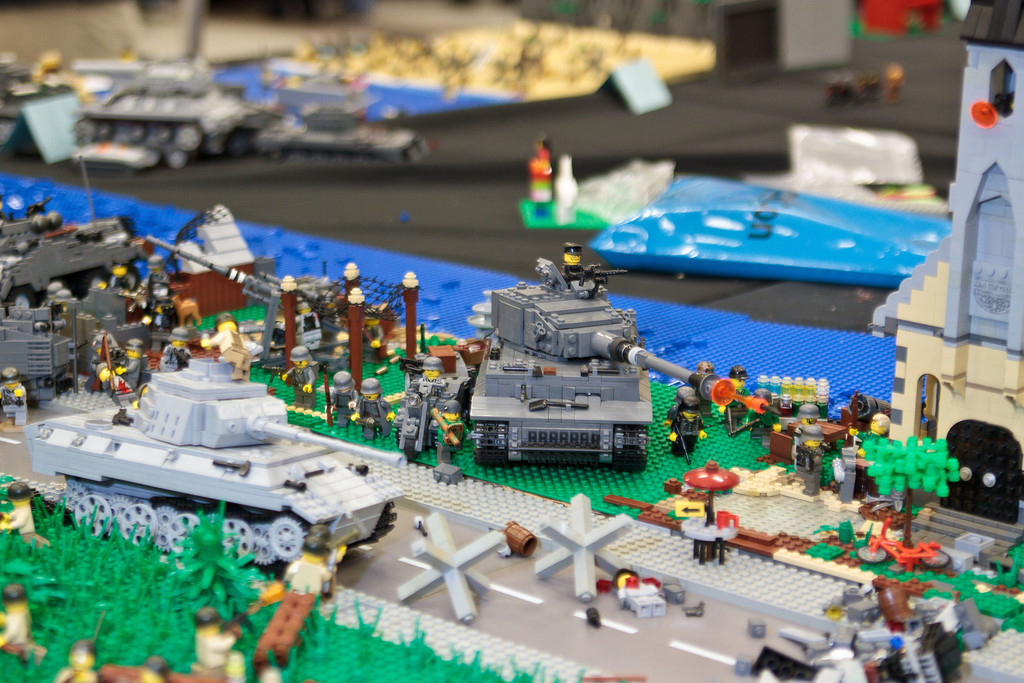 1210_BrickCon2012_00014