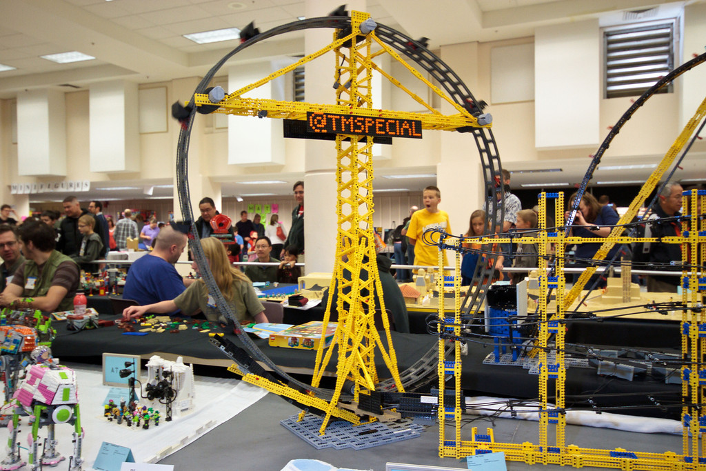 1210_BrickCon2012_00094