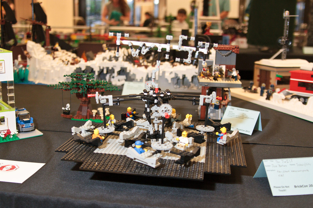 1210_BrickCon2012_00030